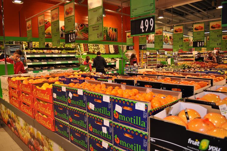 Un lanț comercial a distribuit declarații ca oamenii să poată merge la cumpărături și în carantină