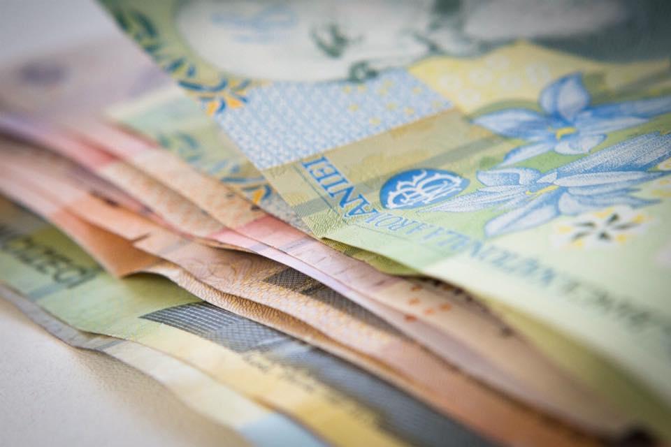 Dosare penale pentru înșelăciune în obținerea indemnizațiilor de creștere a copilului