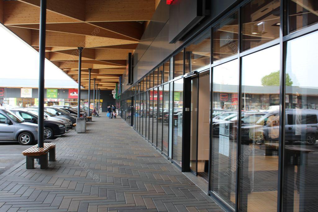 Patru zile fără shopping în centrele comerciale. Când se vor deschide magazinele