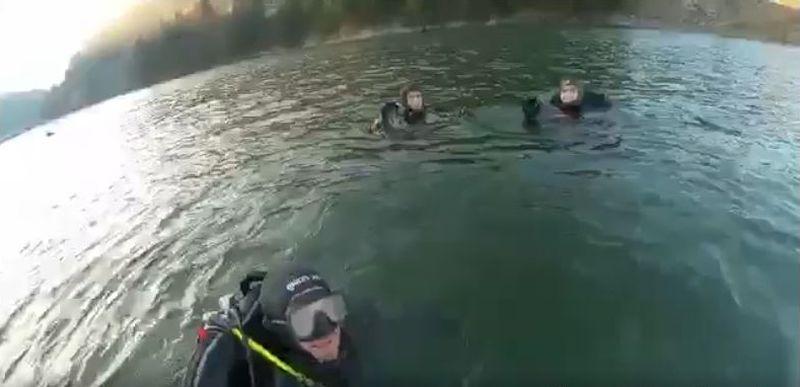 Scafandrii ISU s-au antrenat în apa rece ca gheața a lacului Colibița (VIDEO)