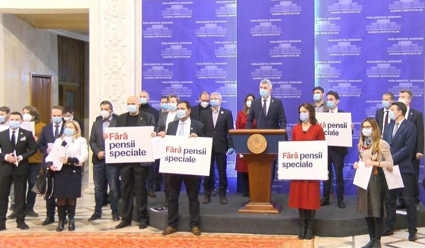 Parlamentarii USR și-au depus demisiile. Cristina Iurișniți: Am renunțat la pensia specială
