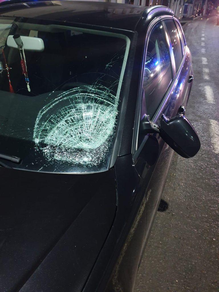 Tânără lovită de mașină la Prundu Bârgăului, transportată la spital