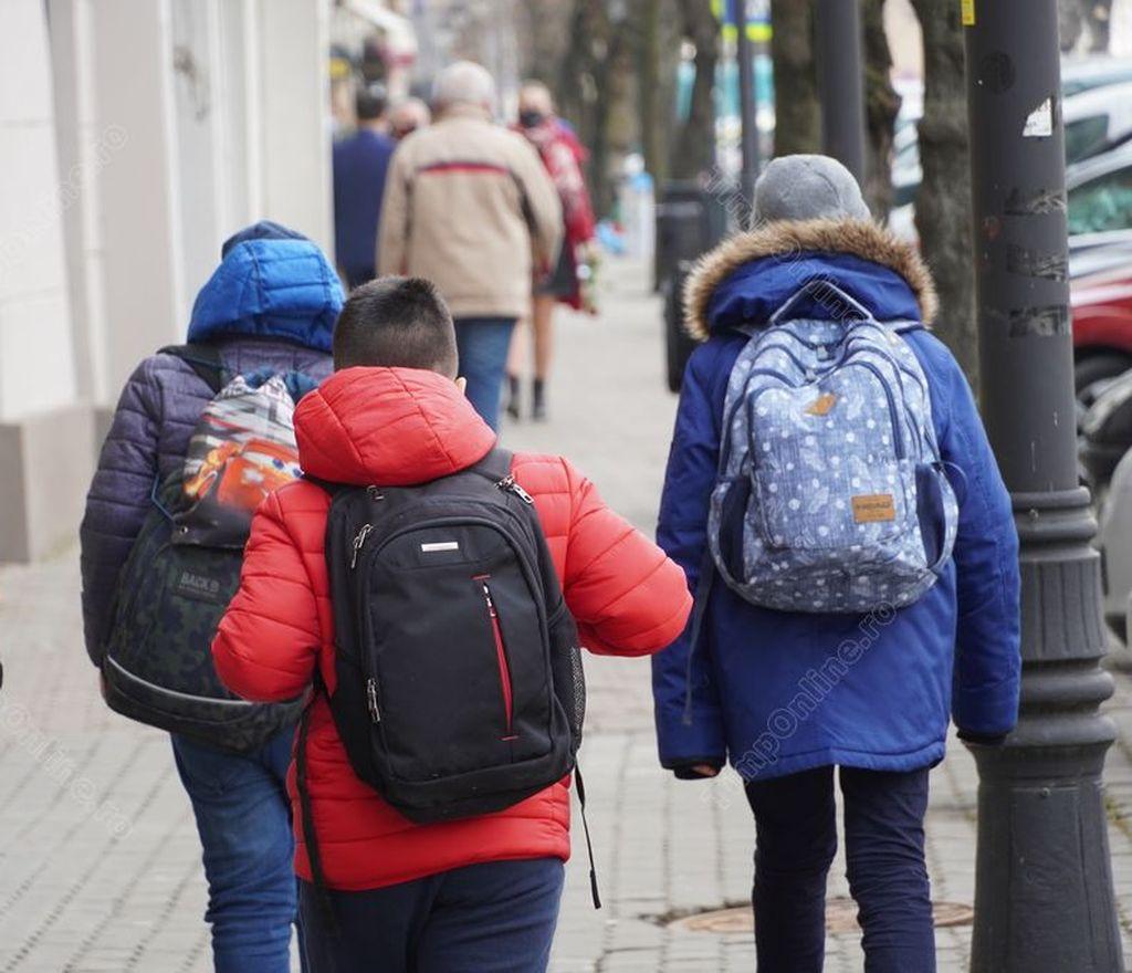 Scenariile pentru școlile din Bistrița-Năsăud, valabile de luni 8 martie