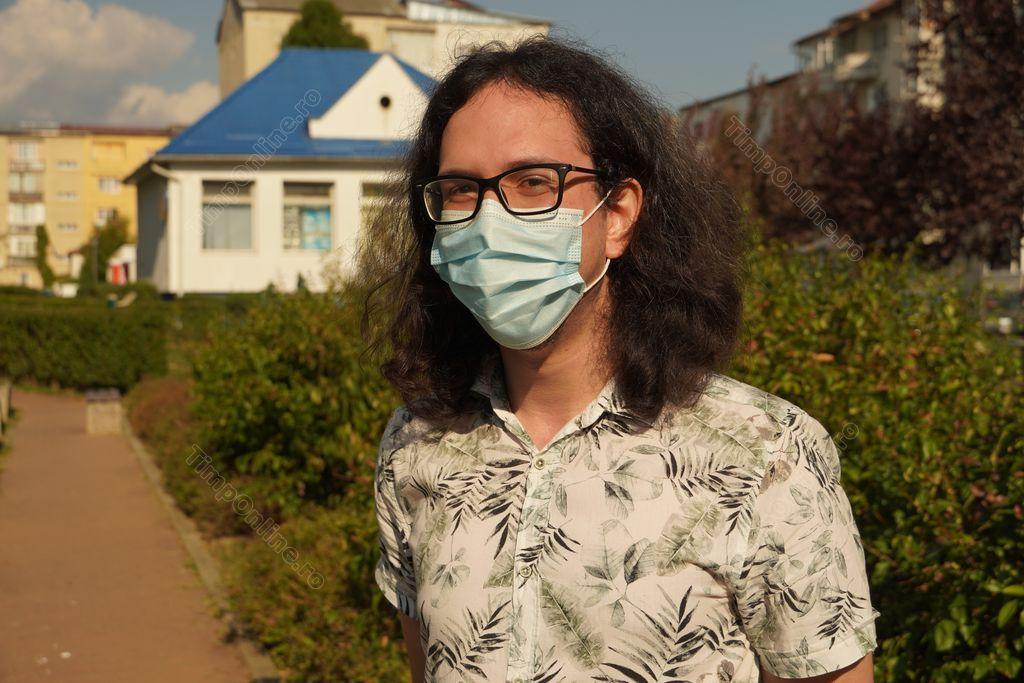 Sergiu Petrușca, student la Cambridge, explică pandemia pe înțelesul tuturor. Interviu despre virus, măști, vaccin